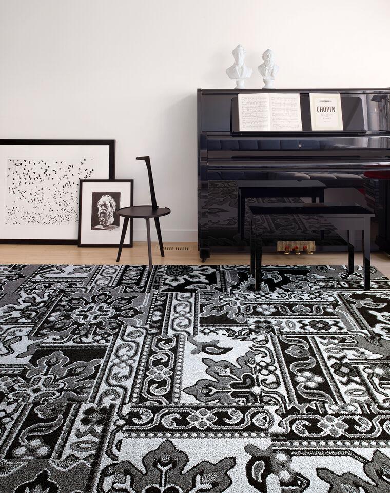 Turkish Bloom - Black