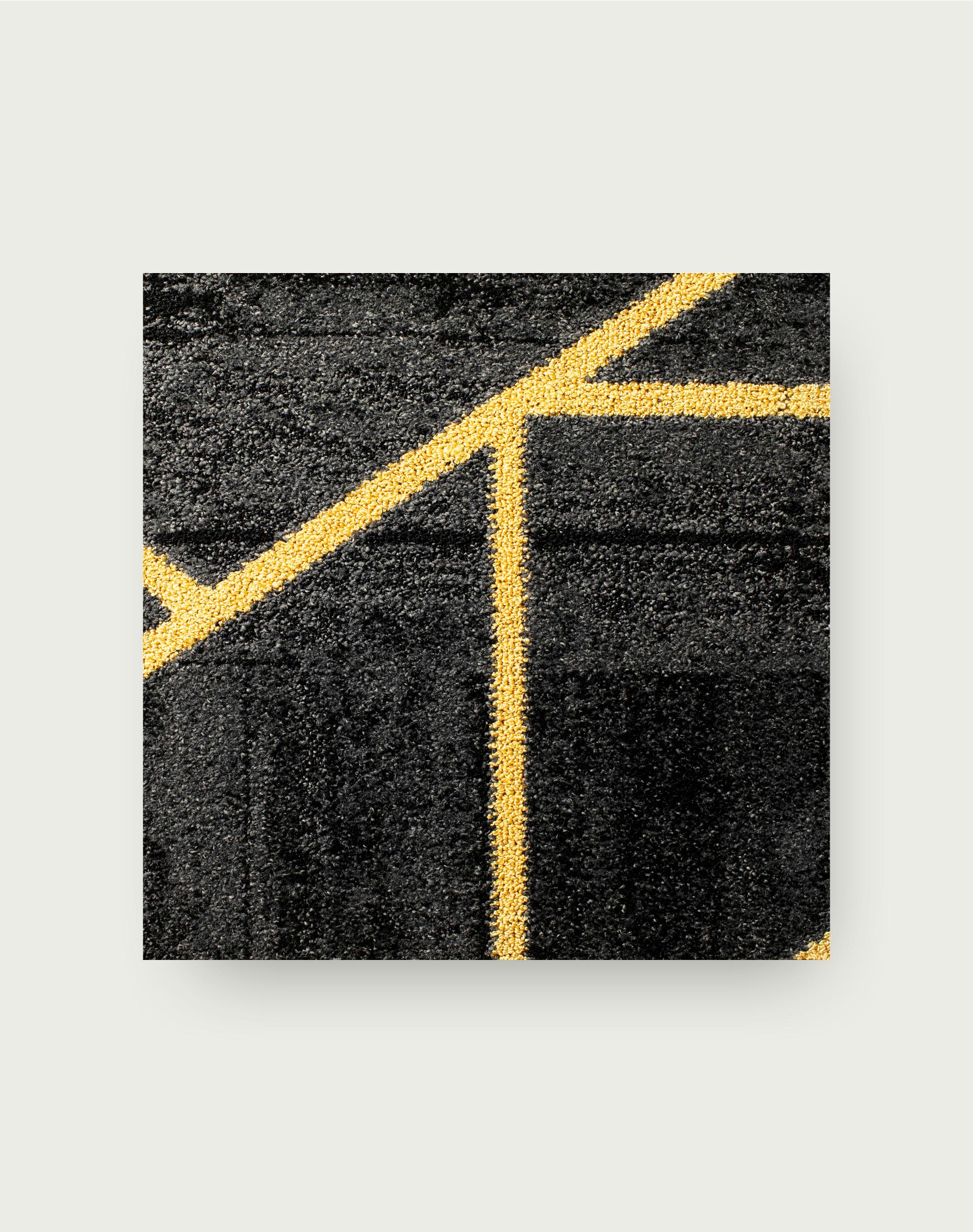 Heavy Metal - Flint / Gold